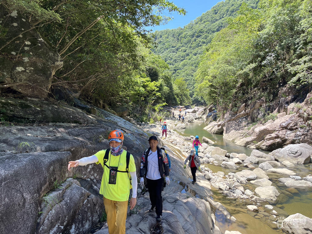 温州永嘉蝴蝶百合峡谷溯溪穿越脚印-6